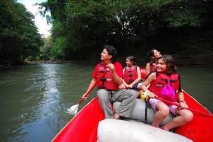 Safari_Float_on_the_Penas_Blancas_River__1