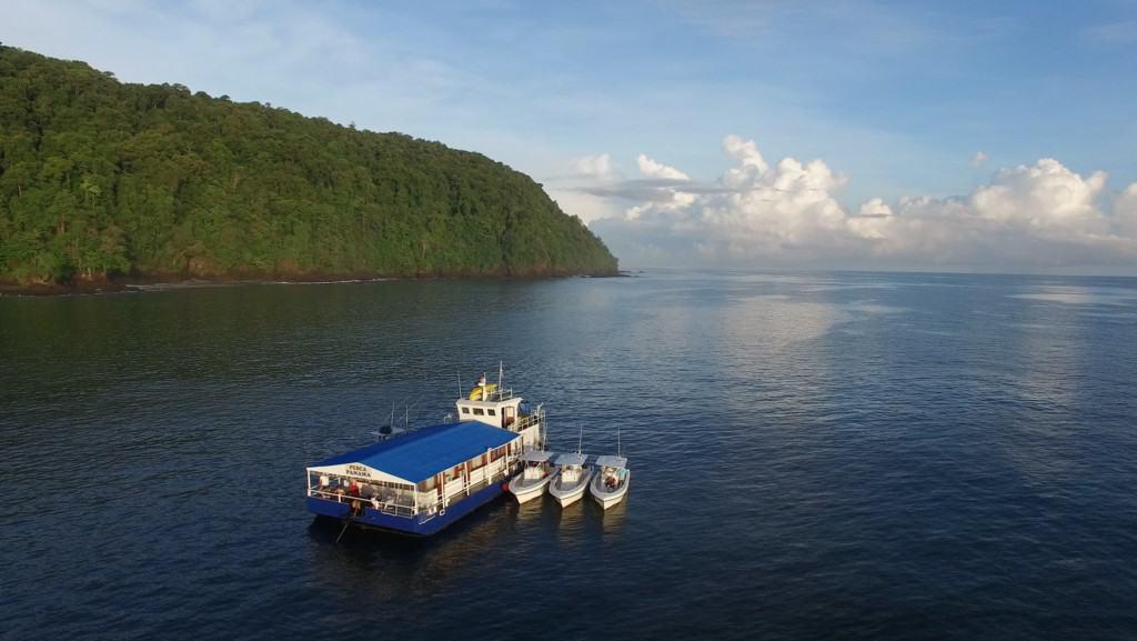 Panama sport fishing mothership
